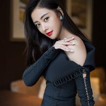 电影《建军大业》清华首映礼张天爱以CHAUMET珠宝伴身出席首映礼