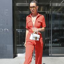 贝拉·哈迪德(Bella Hadid)佩戴Givenchy Vision太阳眼镜帅气出街