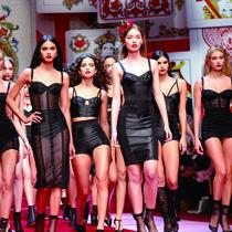#SuzyMFW: Dolce & Gabbana Go Mad For Millennials-Suzy Menkes专栏