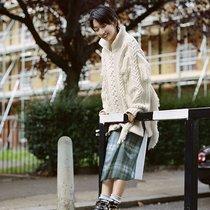 当流苏遇见毛衣 温柔得不像话-时尚街拍