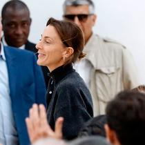 Phoebe Philo离任Céline,盘点她的精彩设计生涯-时尚圈