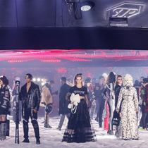 #SuzyNYFW: Fashion's Moon Landing-Suzy Menkes专栏