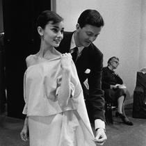 纪念Hubert de Givenchy:节制的优雅-设计师聚焦