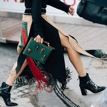 今年最流行万能的小黑靴-缪斯示范