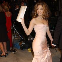 為什么說詹妮弗·洛佩茲是最適合穿Versace明星?-星秀場