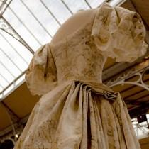 Alexander McQueen 2019 年春夏系列:一條裙子的誕生-品牌新聞