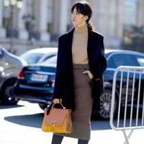 鉛筆裙成人氣王 夏秋過度全靠它-時尚街拍