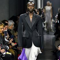 Vogue时尚潮流简报:巴黎时装周版-时尚圈