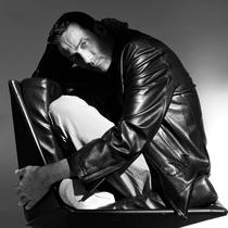Jean Paul Knott:极简主义的时装艺术家-时装大片