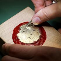 格拉苏蒂原创 偏心机芯倒置腕表限量版 手工镌刻鉴赏圆满?#23637;?品牌新闻