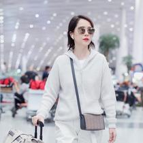 演员海清身着BRUNELLO CUCINELLI 2019秋冬系列现身机场独家受邀前往米兰时装周-品牌新闻