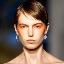 从2020春夏纽约时装周看当下5大美妆潮流-彩妆