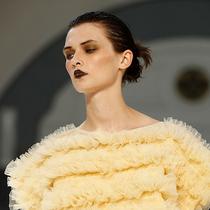 5個你不可不知的2020春夏倫敦時裝周美妝流行趨勢-彩妝