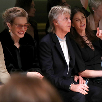 #SuzyPFW: Stella McCartney's New Sustainable World With LVMH-Suzy Menkes专栏