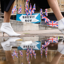 Is Brexit Good For High-End Shoppers?-Suzy Menkes專欄