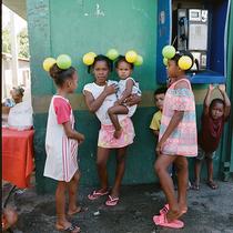 網紅攝影師Renell Medrano 倫敦首次個展體現多米尼加文化-時尚圈