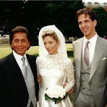 在人生中最美的时刻 她们穿的都是Valentino-风格示范