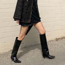 擁有超顯瘦的黑色長靴,不用PS也讓腿又長又直!-時尚街拍
