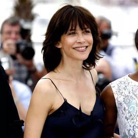 这个法国女人52岁彩金,活在爱里的彩票她一直很美
