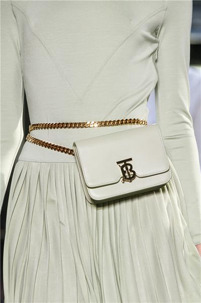Belt Bag,這個春夏不妨嘗試點不一樣的