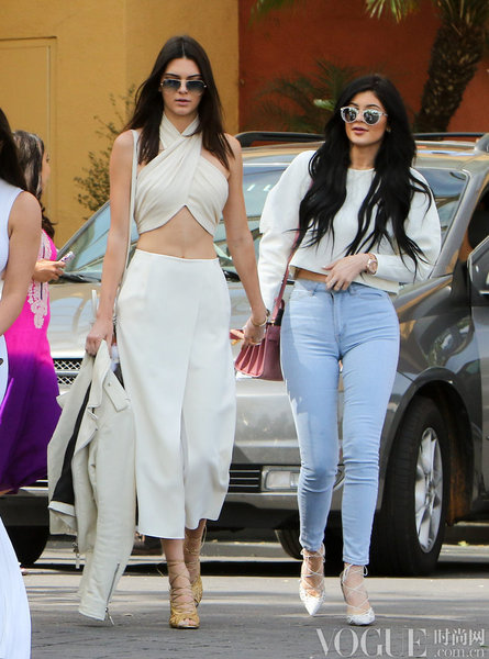 Kendall Jenner、Adriana Lima教你如何性感的很优雅