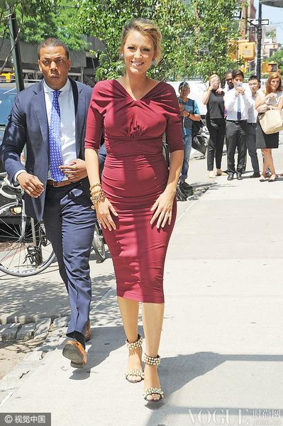 越孕越美 Blake Lively大肚是最好的时尚配饰