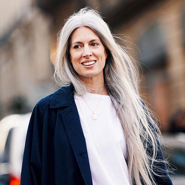 Vogue 2019 年灰发变换指南