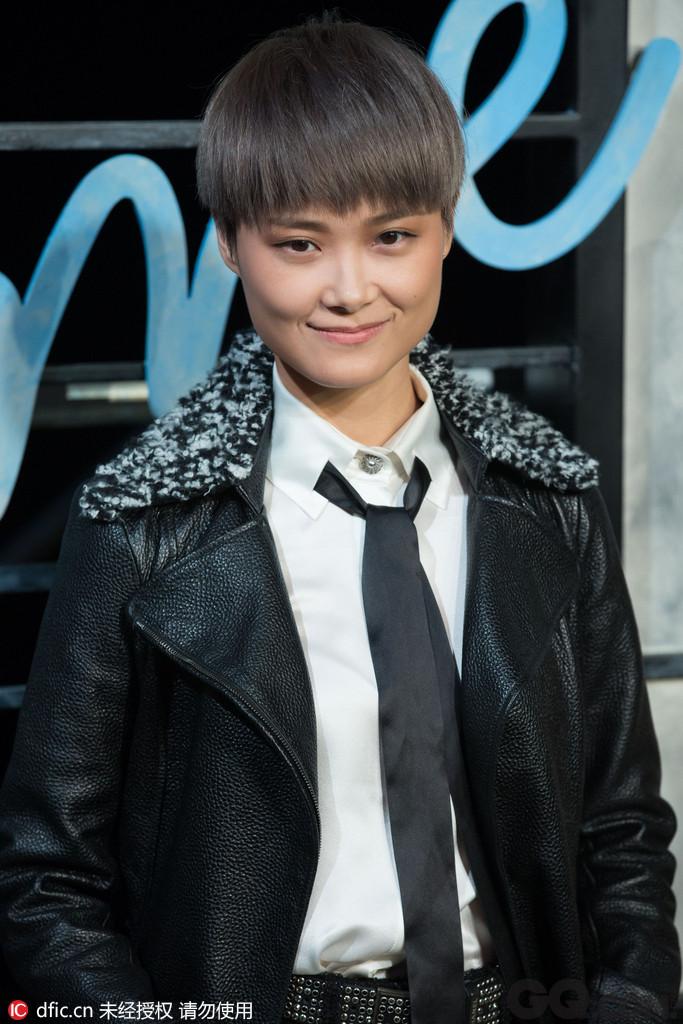 """之前争论不休的关于李宇春在参加某音乐盛典时,被称为""""最佳男歌手"""",虽然有涵养的李宇春并没有当场发飙,但该主办单位出现的问题一直被广受言论。"""