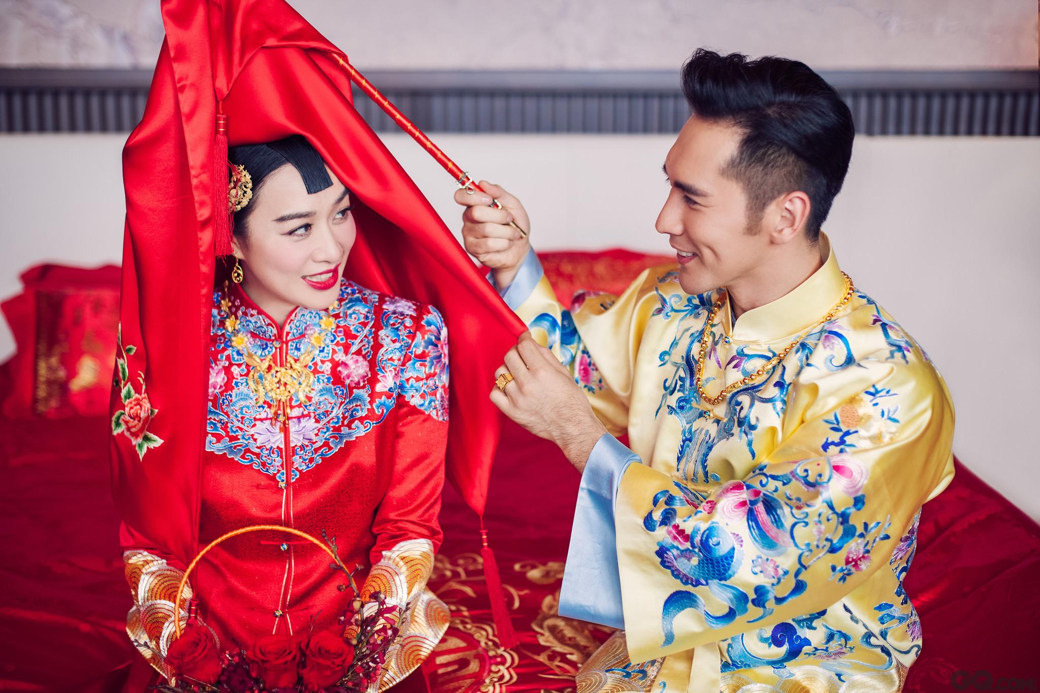 """张伦硕钟丽缇大婚,收获了甜美爱情,考拉有了24孝老爸,一家人洋溢着温暖亲情,传递了满满正能量,网友喊话:""""要一直幸福下去!"""""""