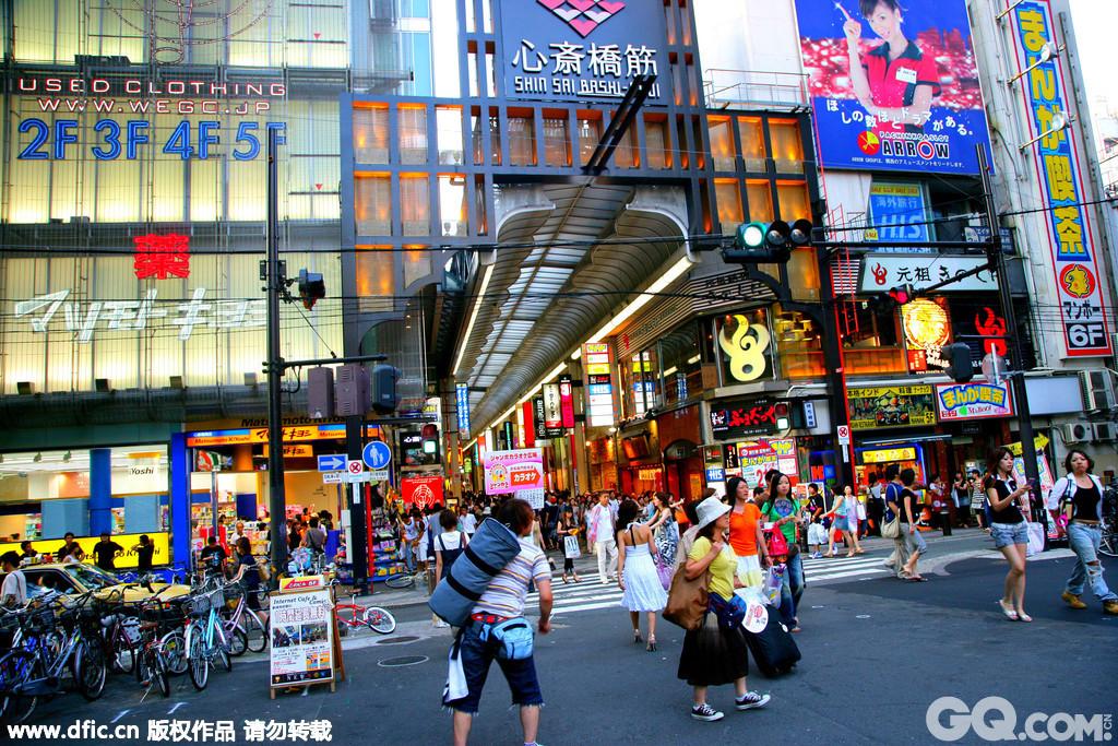 在心斋桥必买药妆,这里的药妆店不仅比东京的便宜,而且几乎所有日本本土品牌的化妆品。其中最有名,最好找的应该就要首推Matsumotokiyoshi(松元清)。