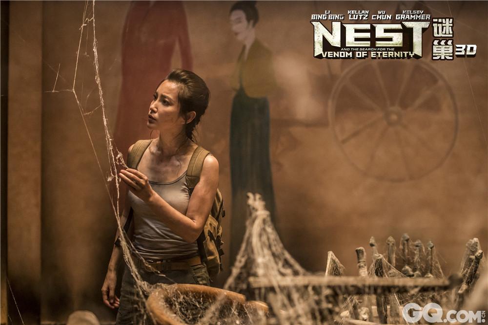 备受期待的国际大片《谜巢》今日曝光了一组李冰冰饰演的女博士Jia在片中的造型。