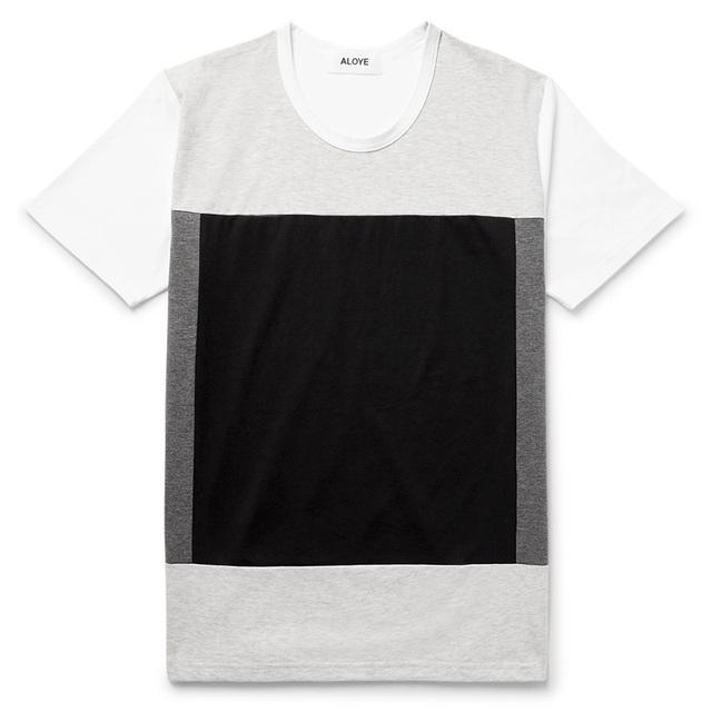 一件自带层次感的T恤衫