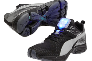 夜跑乐趣 PUMA 2014冬季NightCat Powered系列