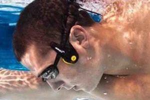 游泳时也无法放弃的5款可穿戴设备
