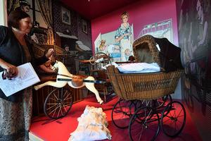 德国博物馆迷你版婴儿车妙趣横生 古董到时尚斥巨资精致翻新